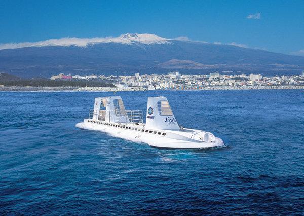 坐上世界最先進的潛水艇潛入海底40米探索水下精彩 - 每日頭條