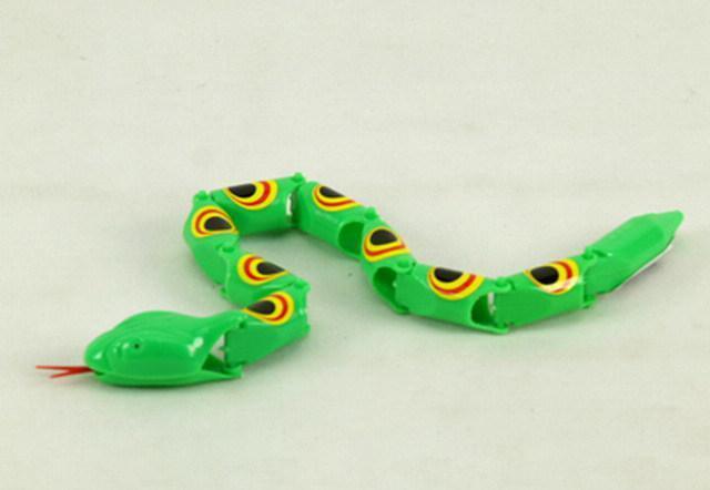 孕婦夢見蛇。是和肚子裡的寶寶有關。預示著什麼你知道嗎? - 每日頭條