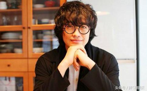 日本最性感的男星。竟然是男生選出來噠。你們的那個他上榜了嗎 - 每日頭條