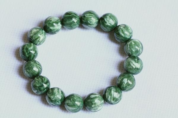 綠龍晶的功效寓意 - 每日頭條