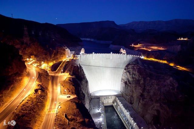 美國胡佛大壩到底多刺激?賭城拉斯維加就依靠這裡供電 - 每日頭條