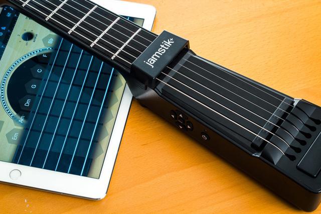 想學吉他?Jamstik+或許可以幫到你 - 每日頭條