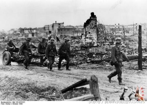 蘇德戰爭。如果德軍第一是攻擊高加索地區和史達林格勒。結局如何 - 每日頭條