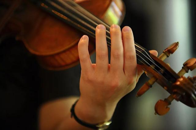 如何提高小提琴的發音水平?(三)  提琴講堂 - 每日頭條