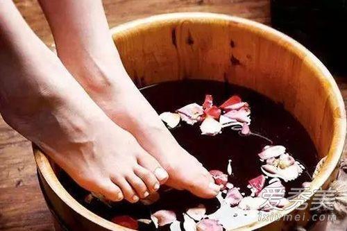 泡腳能減肥嗎?促循環消水腫泡腳好處多 - 每日頭條