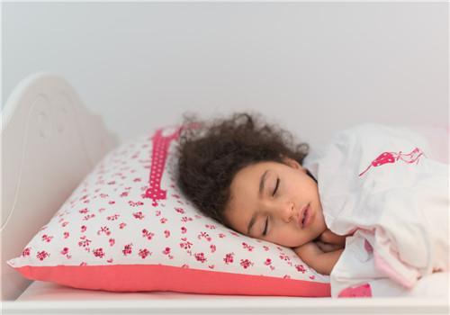 小兒失眠有哪些表現 常見的有三種 家長注意 - 每日頭條