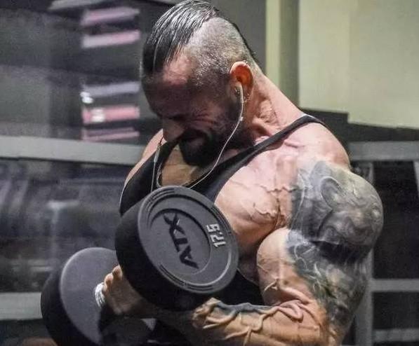 超級肌肉男被認為是藥物催生的結果,他們到底使用什麼藥物呢? - 每日頭條