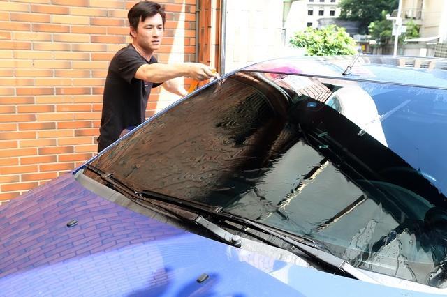 愛車雨刷會唱歌跳舞?雨刷以及前檔玻璃正確保養方法 - 每日頭條