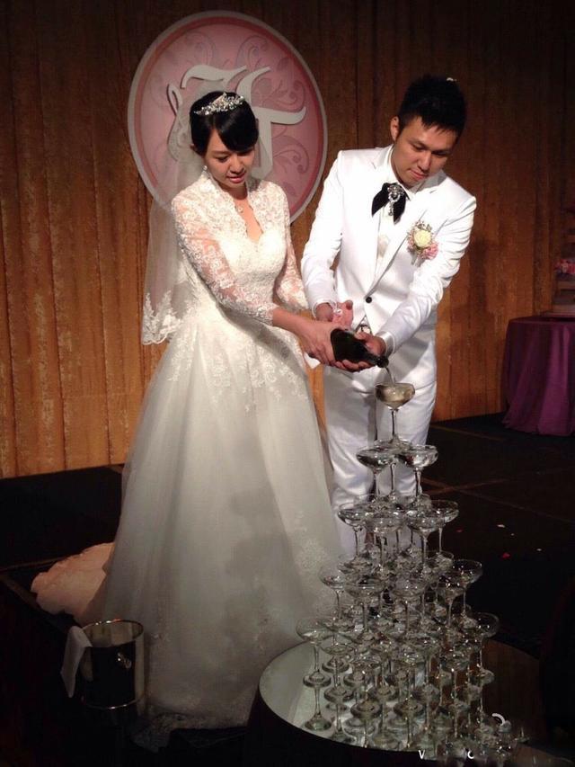卓依婷結婚照曝光,老公也是歌手,女兒沒能繼承她美貌的基因 - 每日頭條