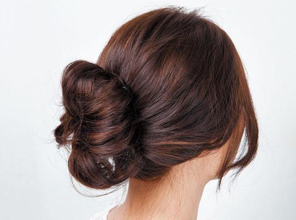中長捲髮怎麼打理好看 簡約髮髻輕鬆打造優雅氣質 - 每日頭條