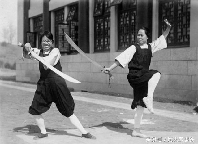 中華武術表演老照片 - 每日頭條