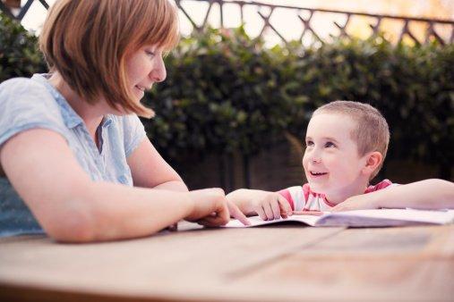 生活中你家寶寶占有這六個條件。恭喜您了。你家寶寶未來情商過人 - 每日頭條