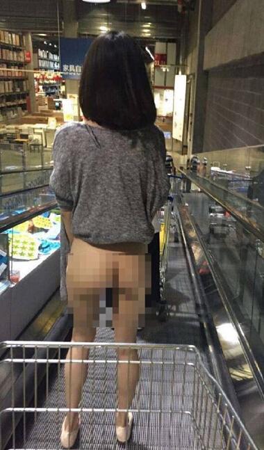 宜家女子赤裸逛商場是否「神經病」? - 每日頭條