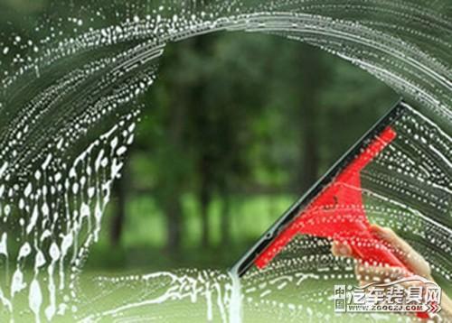 汽車擋風玻璃怎麼才能擦的更乾淨! - 每日頭條