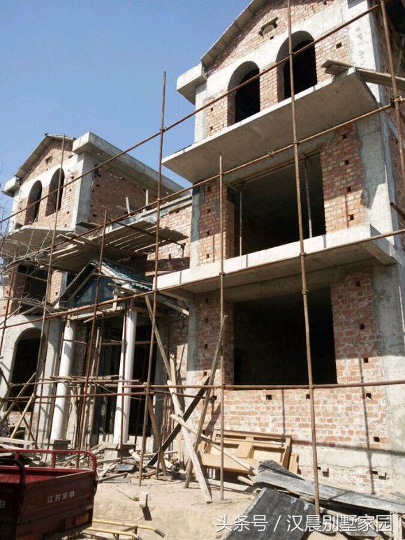 別墅外觀全部貼文化磚會怎樣?湖北農村曬自建房。引全村人圍觀 - 每日頭條
