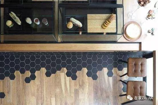 地板混搭瓷磚。提升小戶型的高級感 - 每日頭條