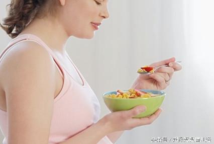 懷孕嘔吐不止怎麼辦?5種緩解孕吐的飲食方案 - 每日頭條