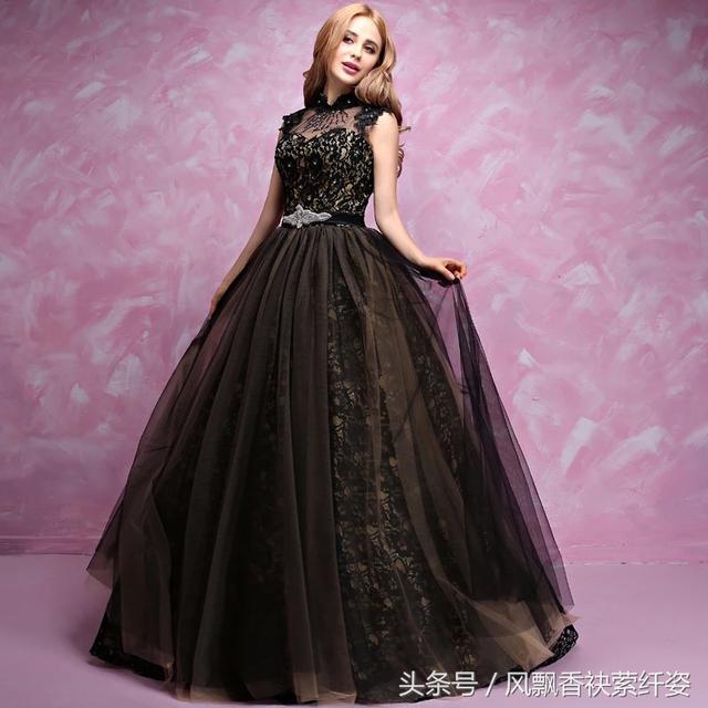 菇涼。你見過這些如黑色妖姬的黑色婚紗嗎?你結婚那天會選它嗎? - 每日頭條