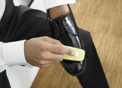 品味始於足下 男士皮鞋發霉怎麼打理 - 每日頭條
