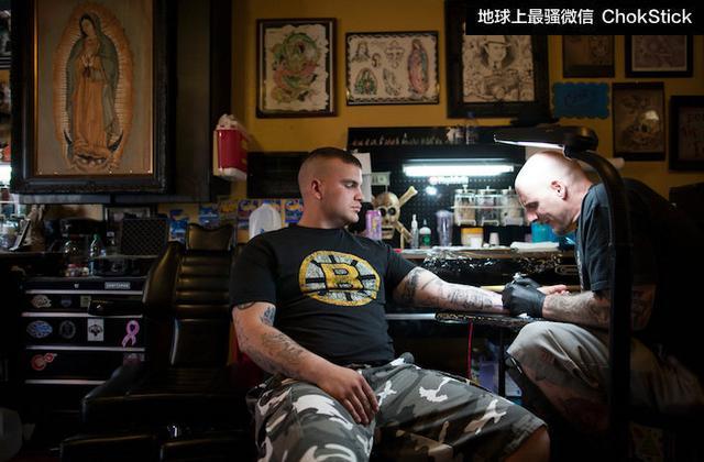 軍事紋身大解析:皮膚上的刀槍火炮。是我的另一種愛國精神 - 每日頭條