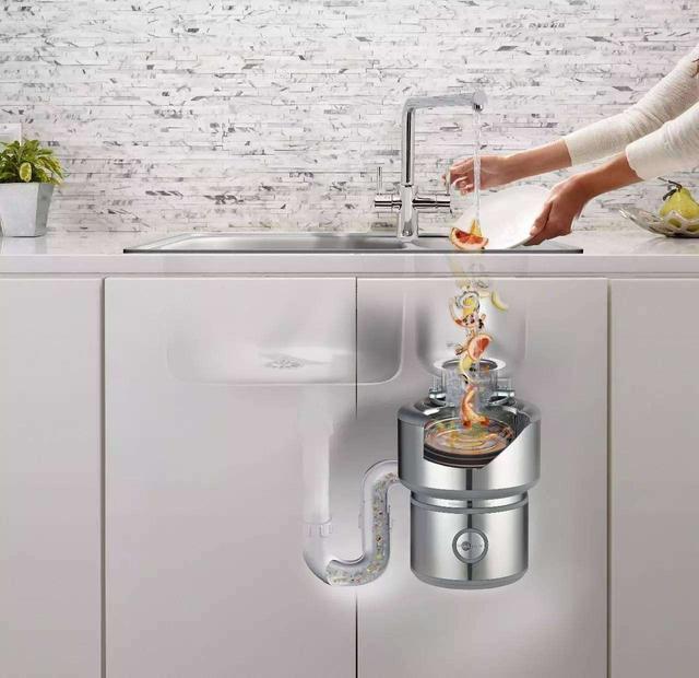 kitchen disposal true equipment 西巢垃圾處理器怎樣處理廚房垃圾 每日頭條 洗菜洗碗多少都會有剩飯殘渣 容易堵塞下水管 如果能配台垃圾處理 就可以將廚餘垃圾達成熔漿狀態 確保下水管暢通