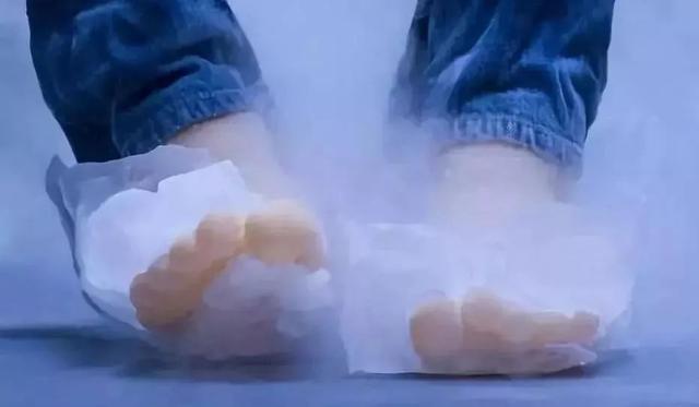 好神奇的自發熱鞋墊!無需充電,30分鐘升溫3-8℃,太暖和了吧 - 每日頭條