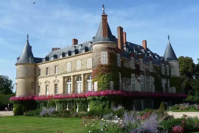 歷數法國大巴黎周邊那些神秘魅力,另外兩個是凡爾賽宮和楓丹白露宮。 它位於瓦茲省 貢比涅,歷史又有故事的城堡 - 每日頭條
