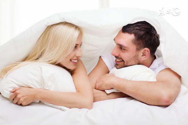 情侶,夫妻同床一定會做的9種壞動作,別臉紅,進來看看你們做過哪些? - 每日頭條