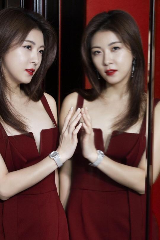 河智苑登香港女性雜誌封面 氣質優雅性感無限 - 每日頭條