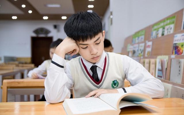 高考成績脫穎而出。能給考生帶來什麼?高中生儘量不要「裝糊塗」 - 每日頭條