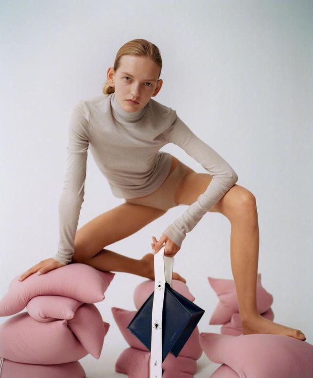 Danse Lente來自英國的包牌,簡潔時髦以及配色都很討喜 - 每日頭條