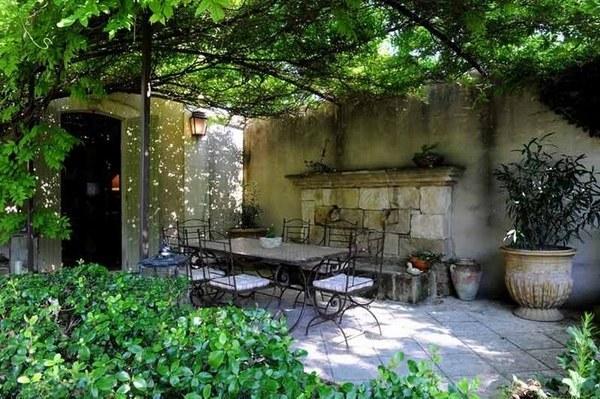 迷人的庭院。怎能少了完美的葡萄架露臺? - 每日頭條