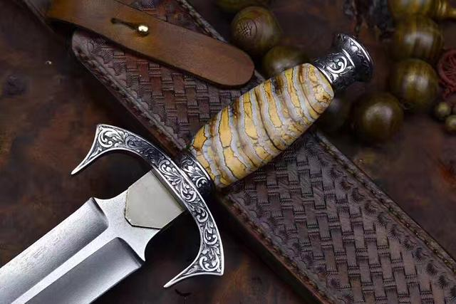 18世紀僅存少量的烏茲鋼錠鍛打造的烏茲鋼短劍 - 每日頭條