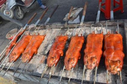 70退休工人老王賣了20年的烤乳豬 專門酒店供應 配方分享 - 每日頭條