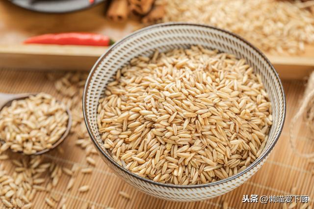 「燕麥米」和「燕麥片」有啥區別?哪種更有營養?建議弄明白再買 - 每日頭條