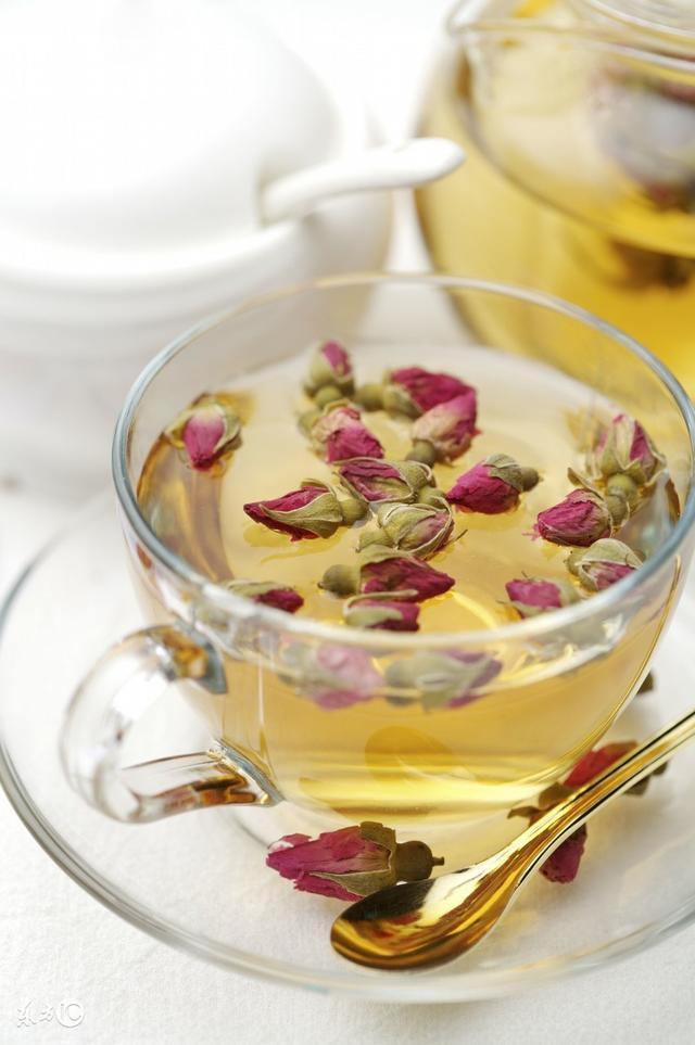 桂圓紅棗枸杞茶到底有哪些好處。什麼時候喝最好? - 每日頭條