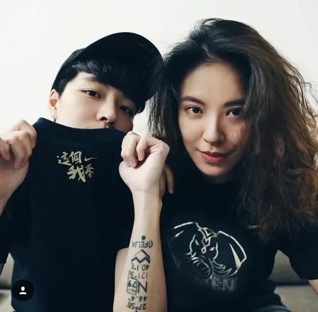 臺灣「最帥」雙胞胎雙雙出櫃,女朋友美貌無敵 - 每日頭條