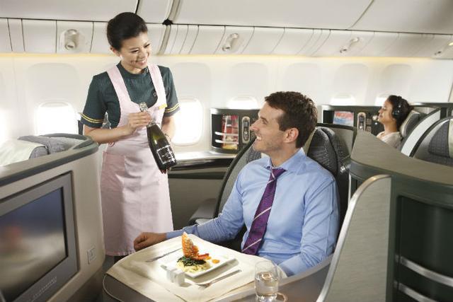 坐飛機還能住三房套間?!看看全球8個奢華頭等艙和公務艙位! - 每日頭條