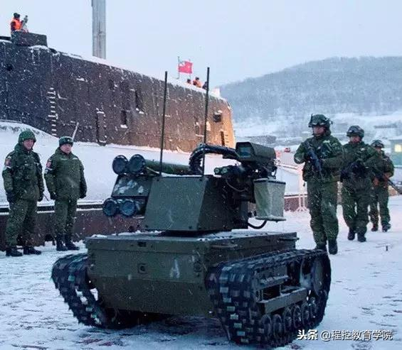 軍事機器人指日可待?機器人格鬥大賽驚現中國99坦克軍工科技 - 每日頭條