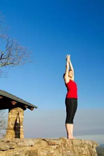 瑜伽教學:初學者的瑜伽入門圖片動作 - 每日頭條