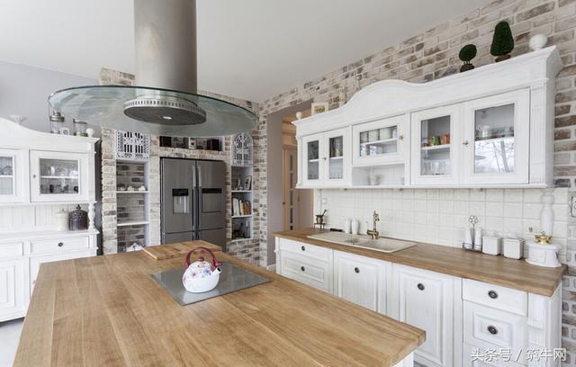 kitchen hardware cheap carts 厨房五金选购时的注意事项有哪些 每日头条 橱柜五金现在在厨房中扮演着非常重要的角色 厨房五金的质量也决定着橱柜的整体功能以及产品的品质 因此消费者在挑选橱柜的时候不但要重视柜体和台面质量 也要重视