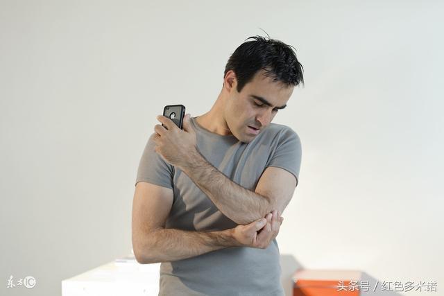 手指發麻要留心。它是多種疾病先兆。中醫按摩幫你緩解麻木 - 每日頭條