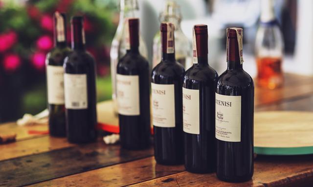 紅酒喝出好滋味,挑選酒櫃掌握這五個技巧 - 每日頭條