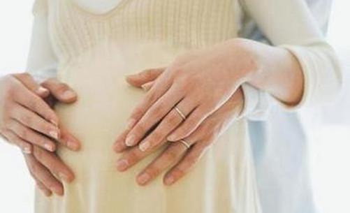 初期受孕的癥狀原來是這些。可不是每個人都是噁心乾嘔哦 - 每日頭條