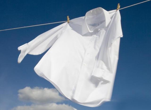 白衣服穿久了會發黃,教你幾招用上這些清潔工具,輕鬆洗掉黃漬 - 每日頭條
