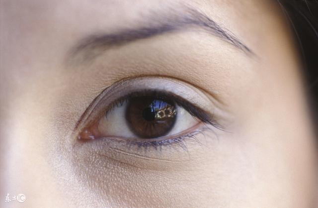 經期眼睛脹痛是什麼回事?專家一般不告訴你 - 每日頭條