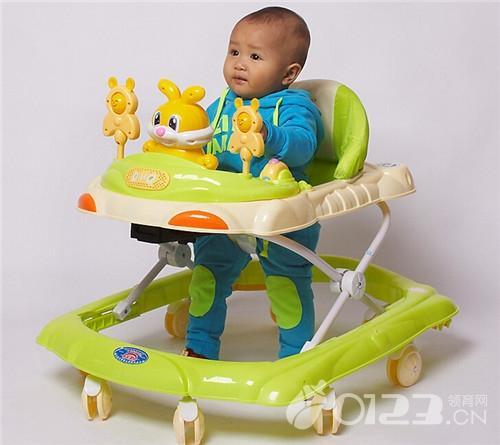 過早用學步車影響寶寶發育 學步車怎麼用才正確? - 每日頭條