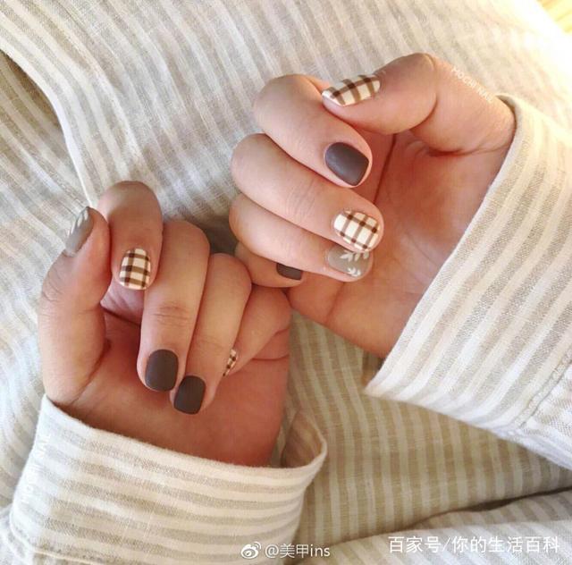 適合短指甲做的秋季新款美甲。超美的ins風顯白短指甲美甲來了! - 每日頭條