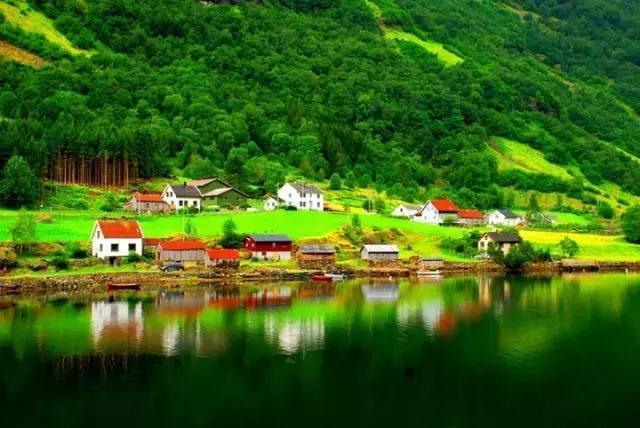 在挪威開啟遊艇之旅,體驗仙境般的景色! - 每日頭條