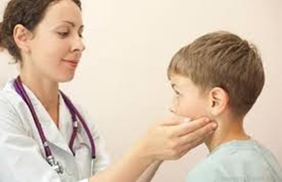 媽媽要知道引起兒童甲狀腺功能低下的原因 並及時帶孩子去治療 - 每日頭條